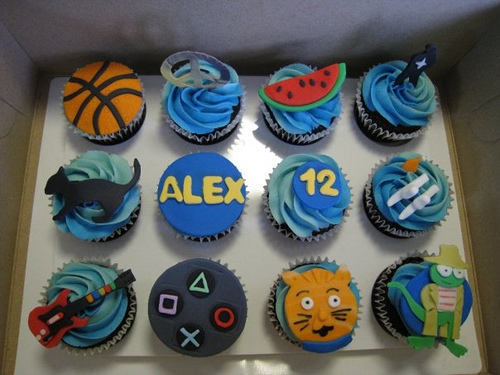 Cute Cupcakes For Boys Birthday http://boloboloan.blogspot.com/2011/08/images-of-boys-birthday-cakes.html