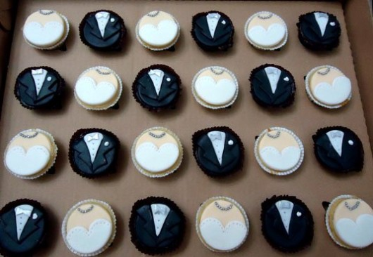 Wedding Cupcakes for the Bride and Groom