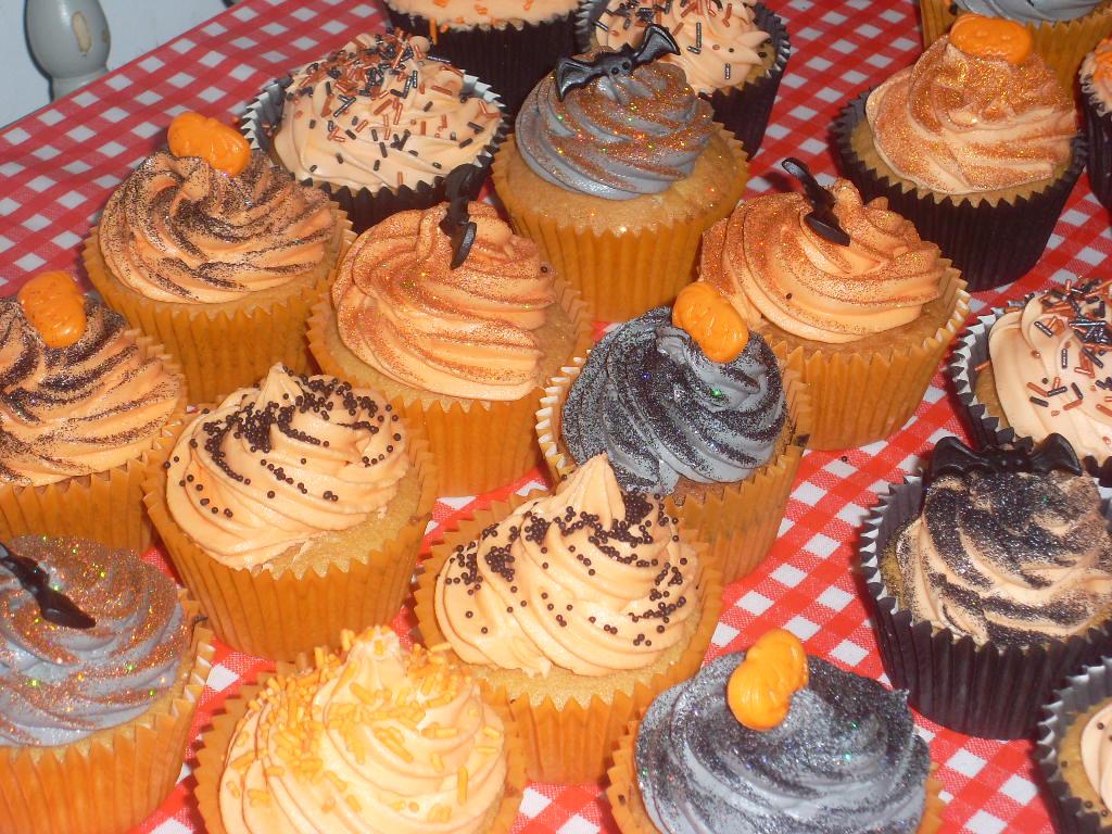 Sparkly Halloween Cupcakes Cupcake Ideas For You