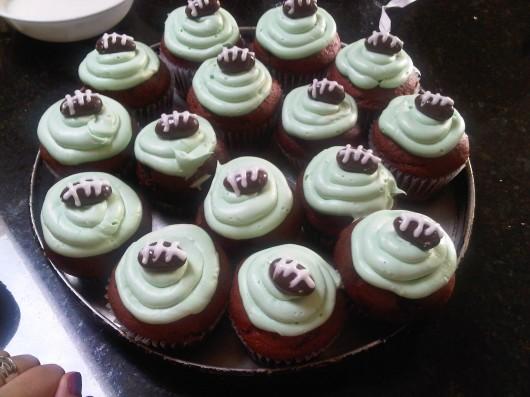 football cupcake ideas