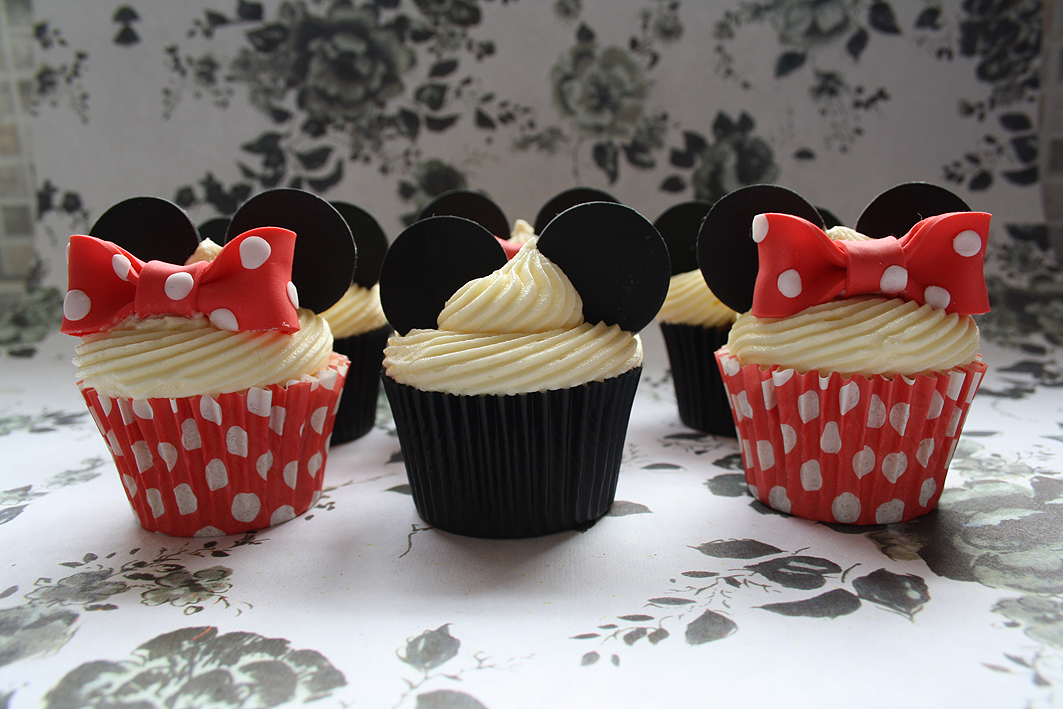 Cupcake Decorating Ideas Birthday : Mickey & Minnie Cupcakes Cupcake Ideas For You
