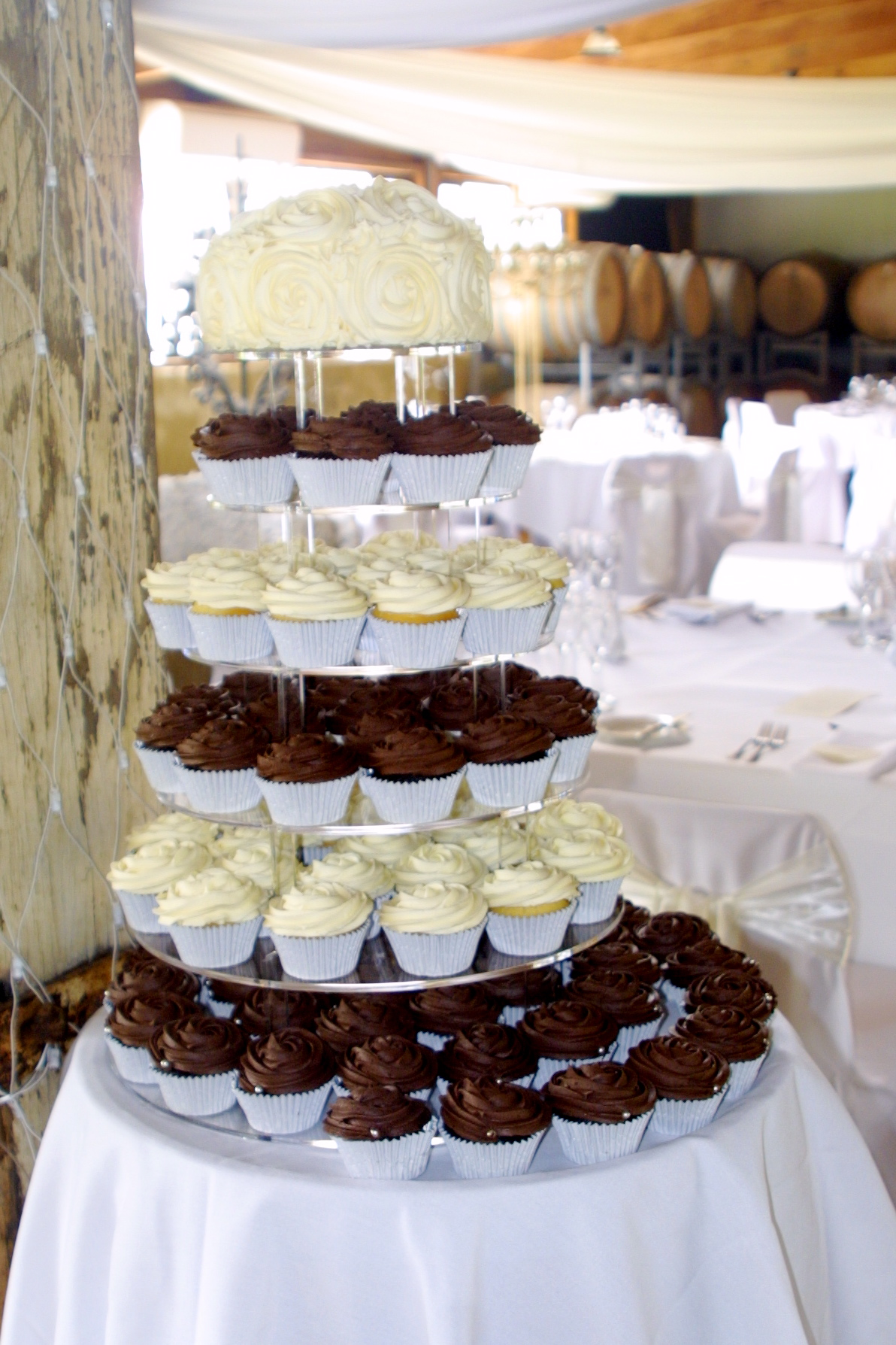 Simple Cupcake Decorating For Wedding