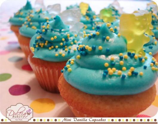 Mini Vanilla Cupcakes 4