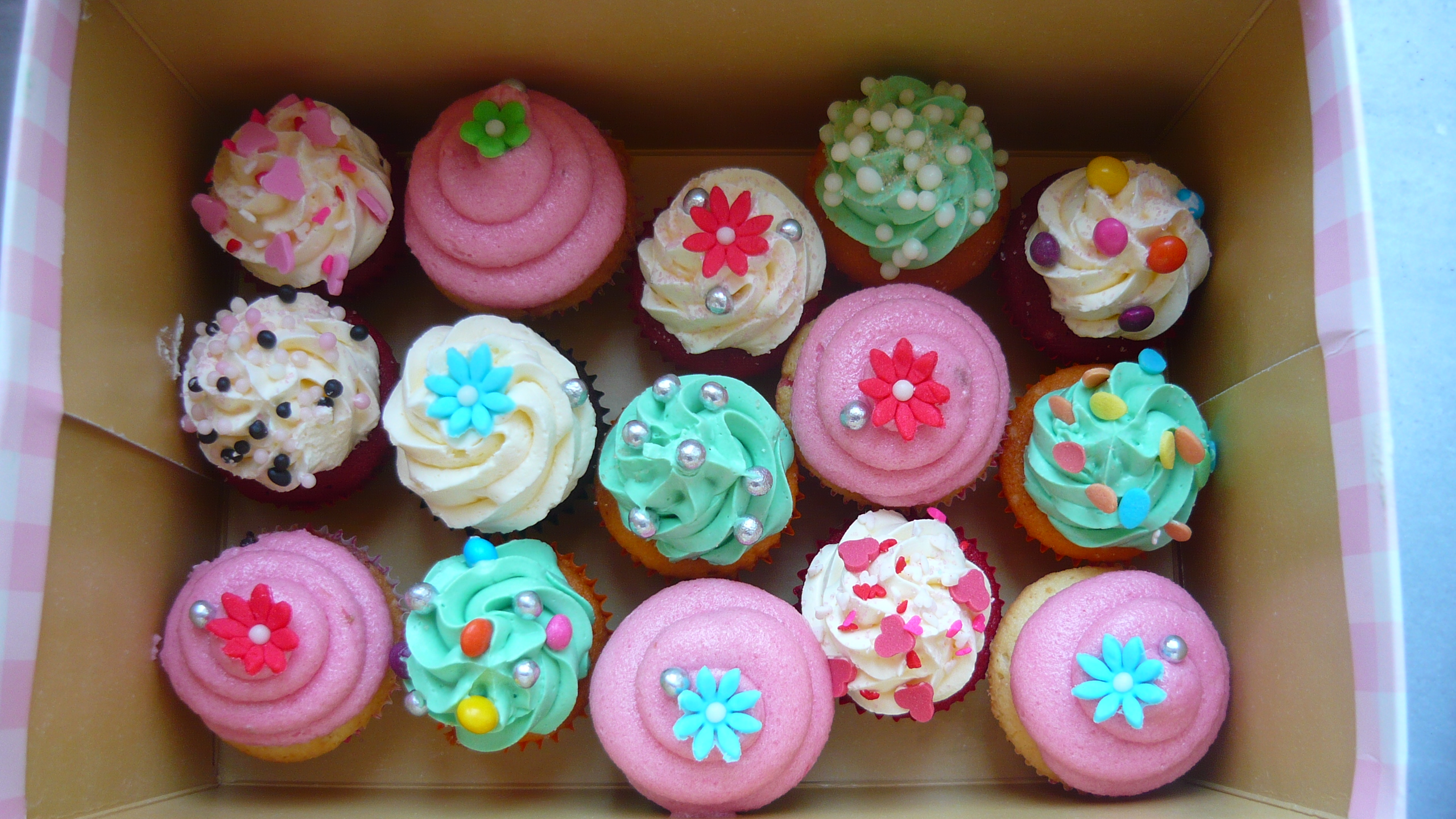 Merves Birthday Cupcakes