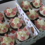 Red Velvet with Cream Cheese decor in white chocolate_2