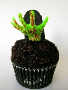 Zombie Halloween Cupcake Idea by By jamieanne