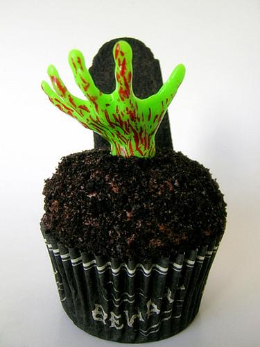 Zombie Halloween Cupcake Idea by By jamieanne