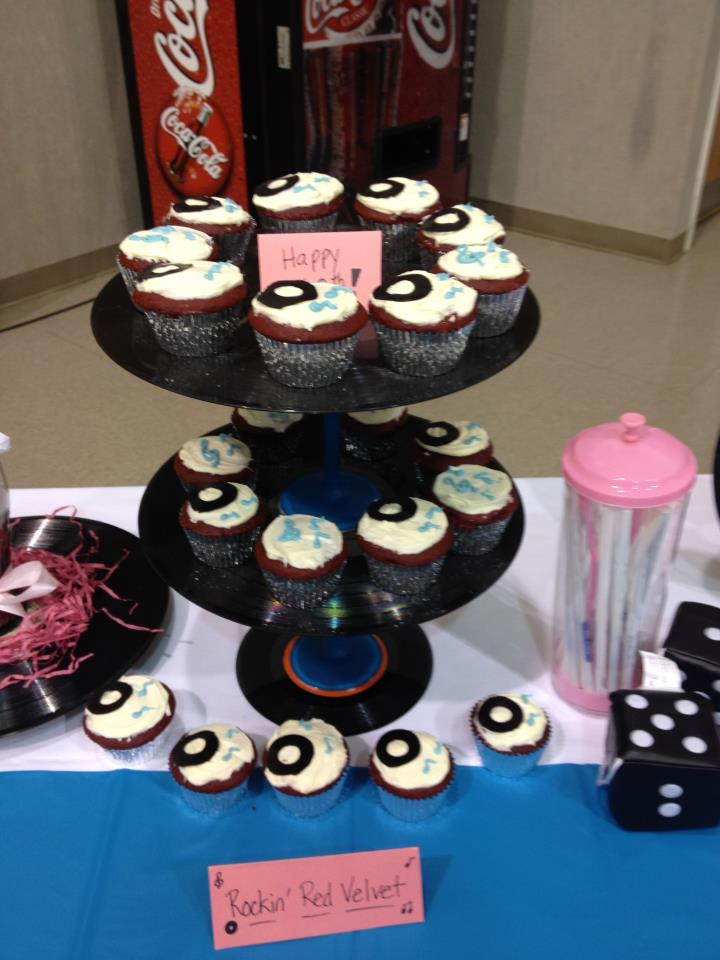 50 39 s theme cupcakes cupcake ideas for you for Decoration 50 s theme